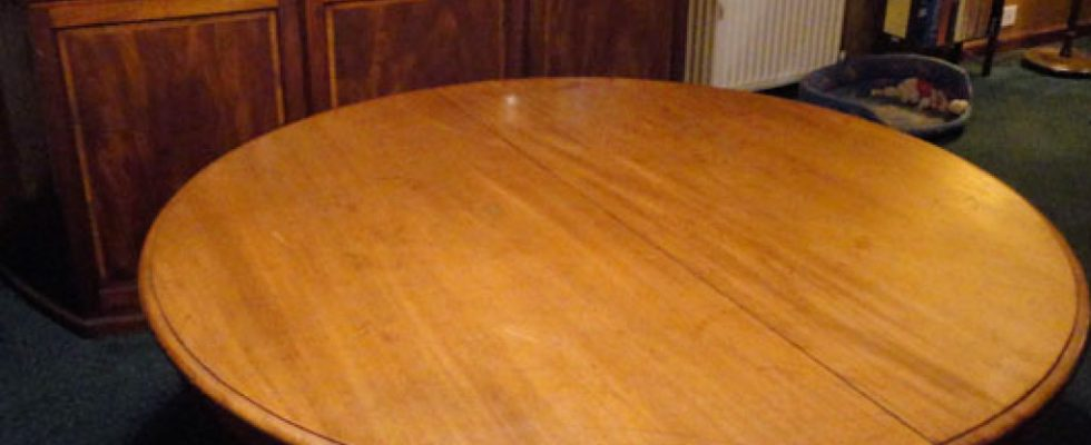 spisebord ovalt